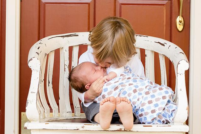 赤ちゃん世話するあやす夢占い意味