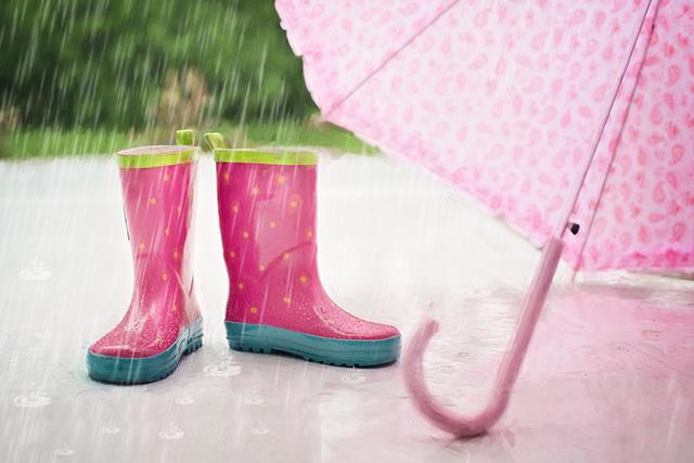 梅雨ケンカ雨の日デートプランスポット回避