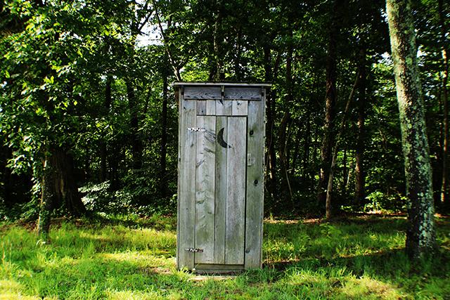 無料夢占いトイレ理由意味暗示オープンな場所