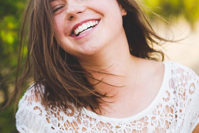 婚活勝ち組と挫折の差スマイル笑顔