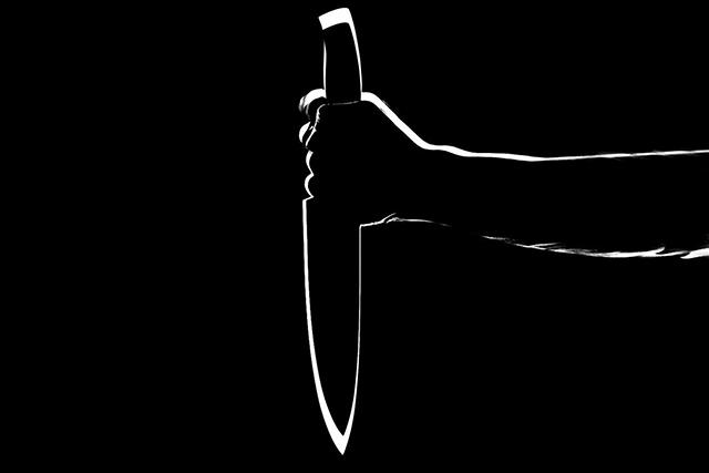 刃物ナイフが出てくる夢の意味指される