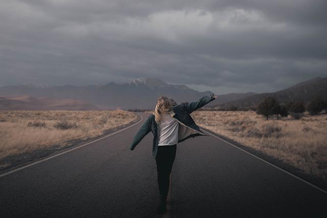 知らない人他人が生き返る蘇る夢の意味メッセージ
