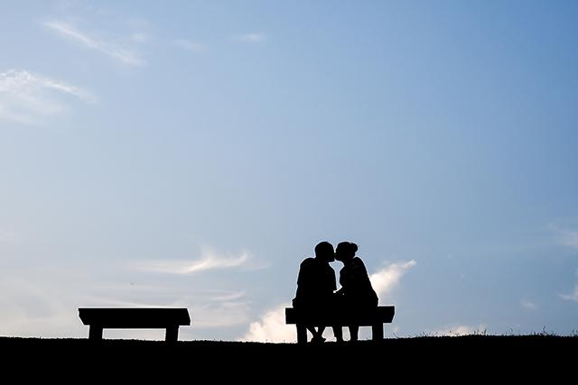 幸せ夫婦の特徴ラブラブ愛される妻になる秘訣は甘え方