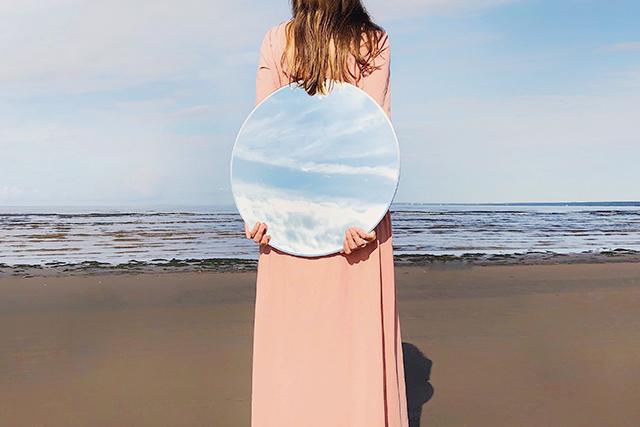 無料夢占い鏡が出てくる夢が持つ意味良い人生