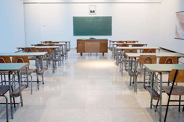 無料夢占い教室に自分の席がない夢の意味暗示メッセージ