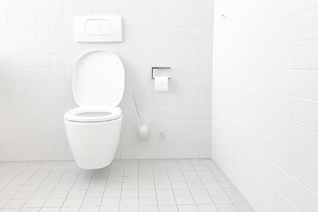 無料夢占い学校でトイレに駆け込む夢の意味暗示メッセージ