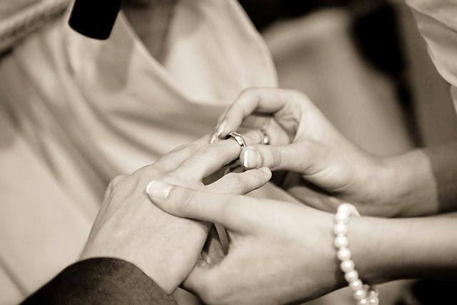 無料夢占い知らない人と結婚する夢の意味暗示