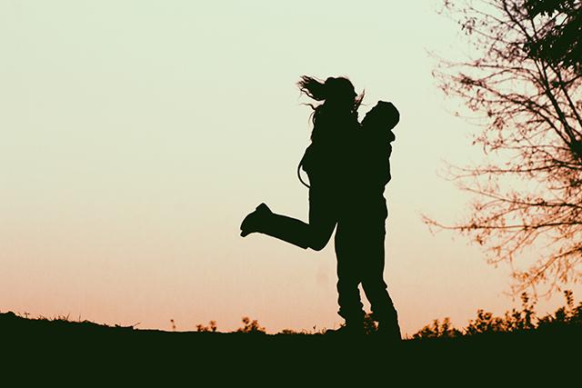 不規則な不倫逢瀬の中に生まれた幸福感
