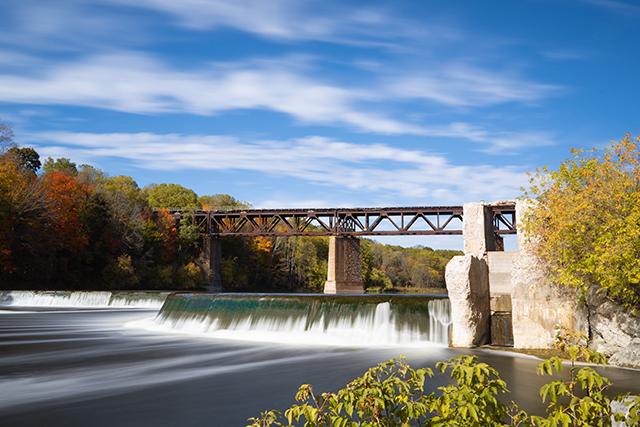 川に橋がかかっている夢の意味メッセージ深層心理