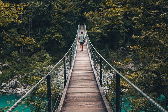 川を渡る夢の意味メッセージ深層心理