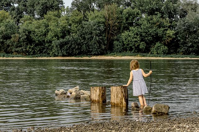 川で遊んでいる夢の意味メッセージ深層心理
