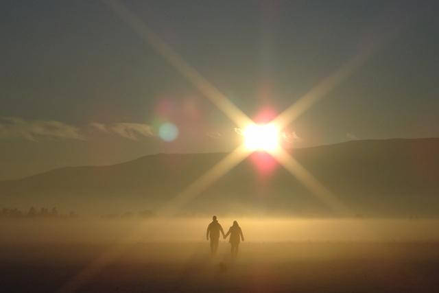 恋人と一緒に逃げる夢の意味メッセージ