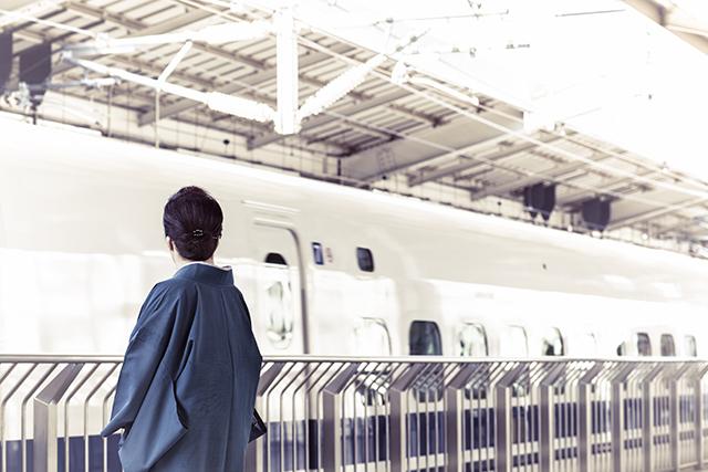 電車に乗る人を見送る夢の意味メッセージ暗示深層心理