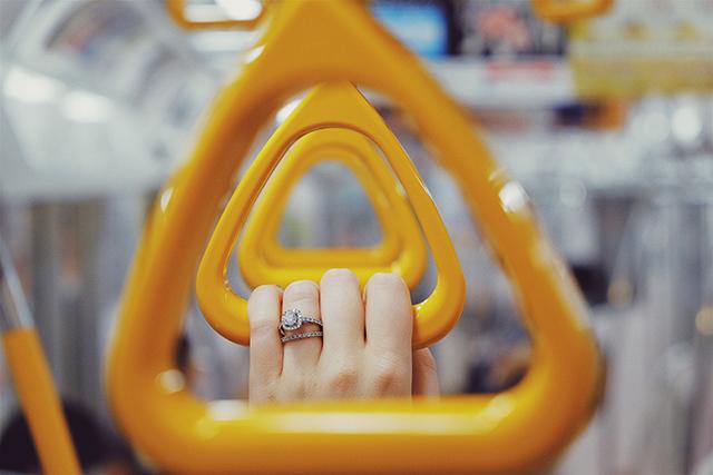 人と一緒に電車に乗っている夢の意味メッセージ暗示深層心理