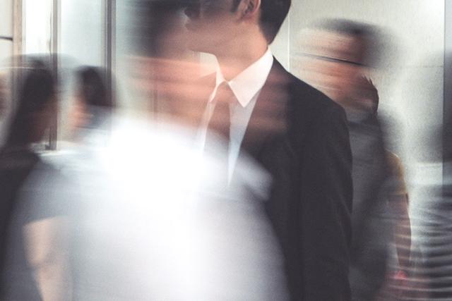 エレベーターに人がいっぱいで乗れなかった夢の意味メッセージ深層心理