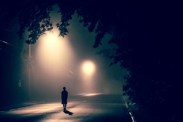 知らない場所に置きざりにされる夢の意味・メッセージ
