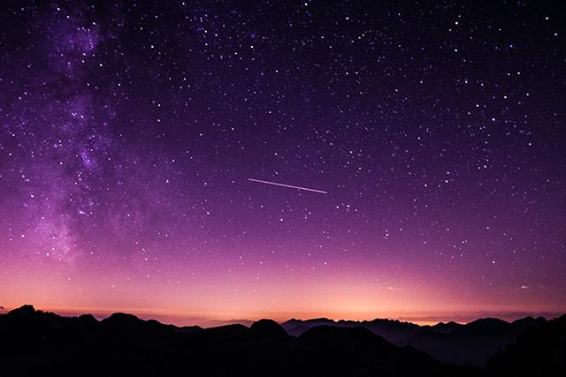 宇宙で流れ星を見る夢の意味