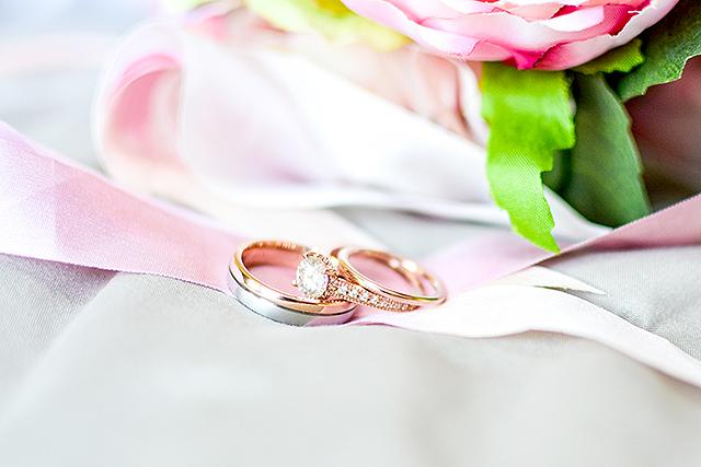 アイドルと結婚する夢の意味メッセージ