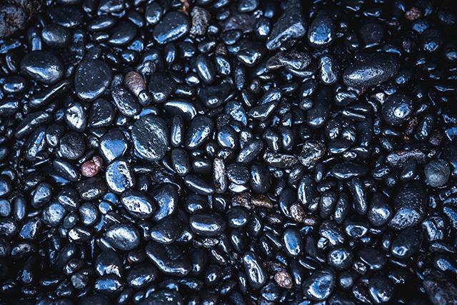 黒々と光る宝石の夢の意味メッセージ