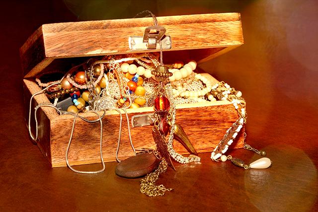 箱いっぱいの宝石の夢の意味メッセージ