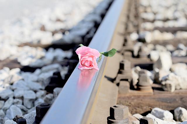 電車にひかれて死ぬ夢の意味