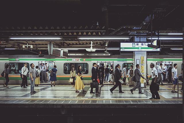 駅の電車に乗らない夢の意味