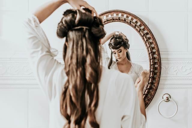 髪を切って後悔する夢の意味