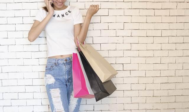 手にいっぱいの買い物をする夢の意味
