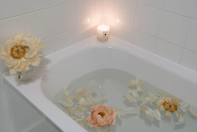 家庭のお風呂に入る夢の意味