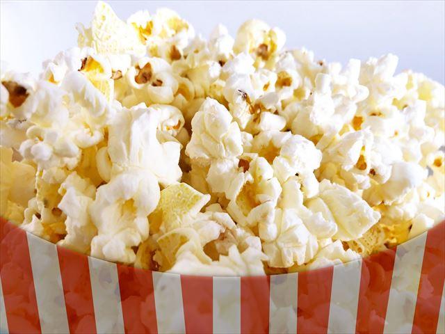 映画館でポップコーンを食べる夢の意味