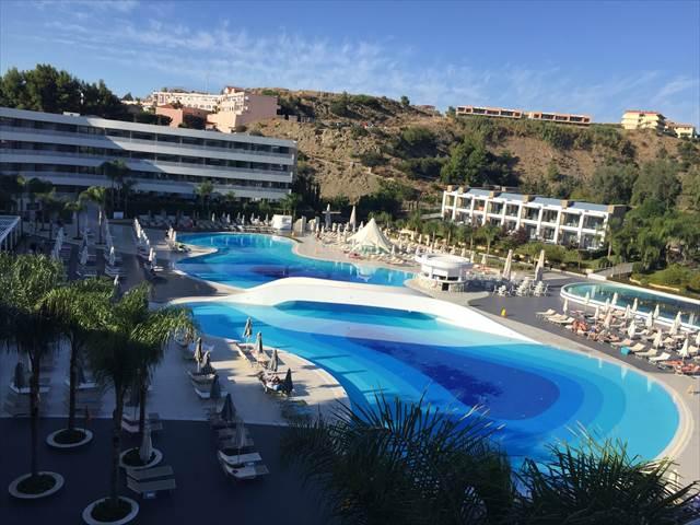 夏休みをリゾートホテルで過ごす夢の意味