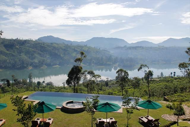 夏休みを湖の近くのリゾートホテルで過ごす夢