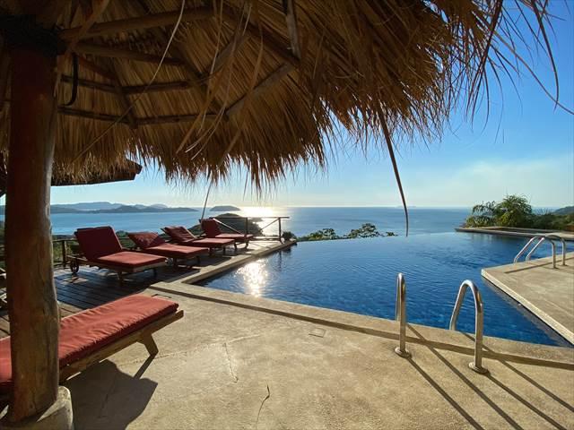 夏休みを海の近くのリゾートホテルで過ごす夢