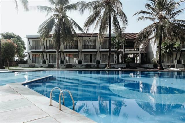 夏休みを簡素で小さなリゾートホテルで過ごす夢の意味