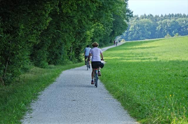 楽しくサイクリングする夢の意味