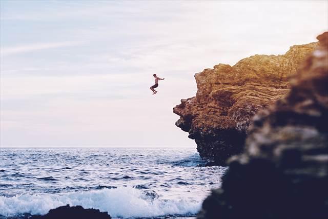 海に落ちる夢の意味