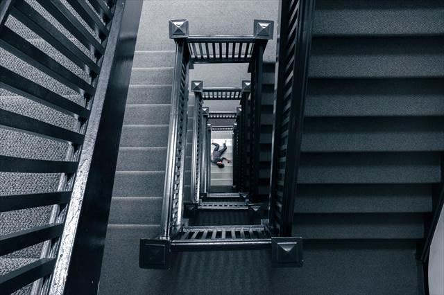 階段から落ちる夢の意味